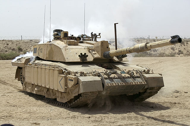 640px-Challenger_2_Main_Battle_Tank_patrolling_outside_Basra,_Iraq_MOD_45148325