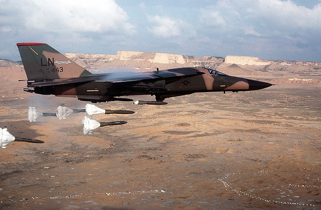 640px-F-111F_dropping_high-drag_bombs