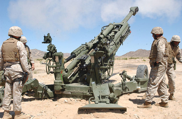 640px-M777_howitzer_rear