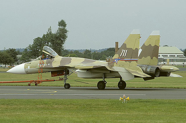 640px-Sukhoi_Su-37_at_Farnborough_1996_airshow