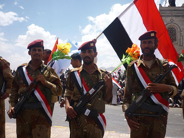 640px-Yemeni_soldiers_from_the_1st_Armoured_Division