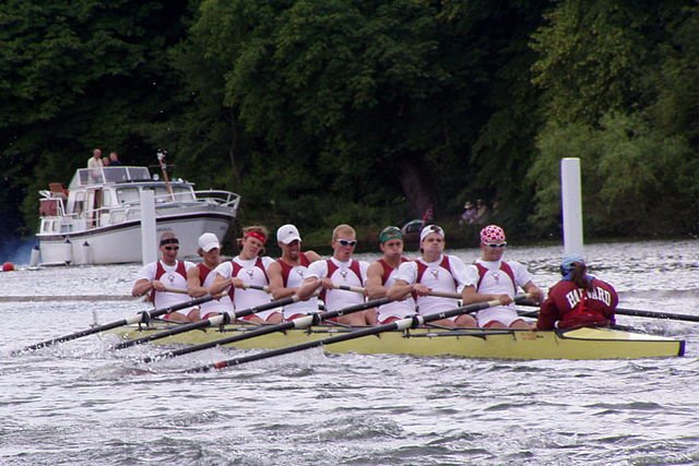 640px-Harvard_Rowing_Crew_at_Henley_2004_-2