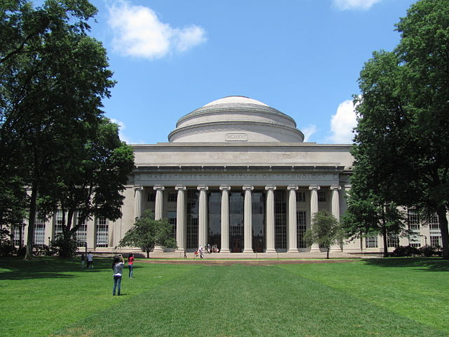 640px-MIT_Building_10_and_the_Great_Dome,_Cambridge_MA