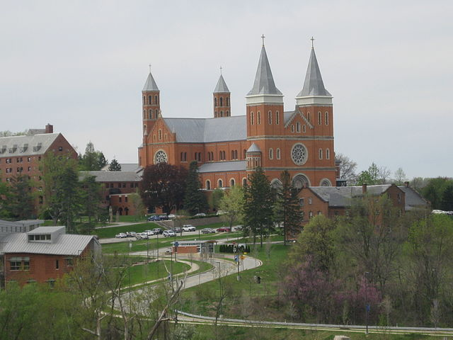 640px-Saint_Vincent_College_and_Basilica