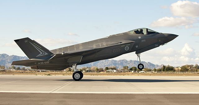 640px-First_Australian_F-35A_arriving_at_Luke_AFB_in_December_2014