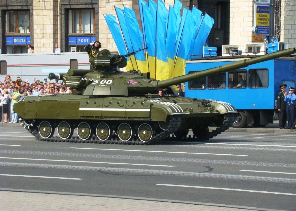 Ukrainian_T-64_tanks_during_the_Independence_Day_parade_in_Kiev
